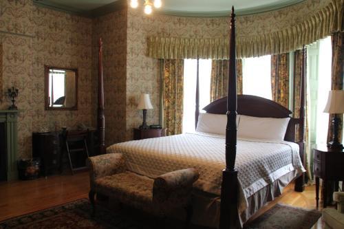 Fairholm National Historic Inn - Photo 3 of 60