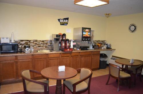 Travelodge Inn & Suites - Muscatine