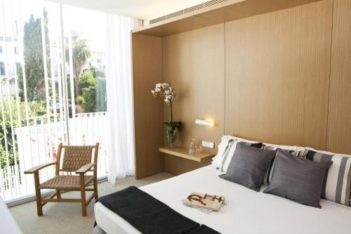 Superior Double or Twin Room Alenti Sitges Hotel & Restaurant 4