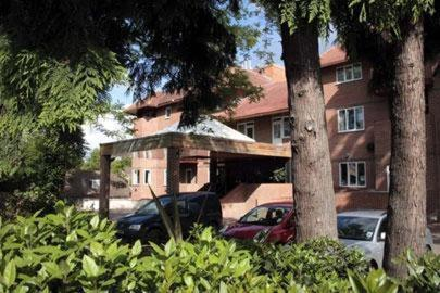 Photo of Parkside International Hotel Hotel Bed and Breakfast Accommodation in Reading Berkshire