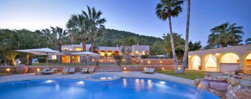 San Jose Villa Sleeps 14 Pool Air Con
