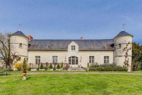 Varennes-sur-Loire Villa Sleeps 6 Pool WiFi