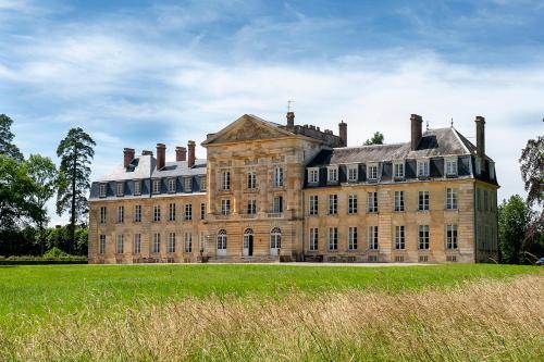 Courtomer Chateau Sleeps 15 WiFi
