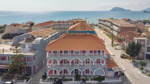 Dados Hotel, Laganas