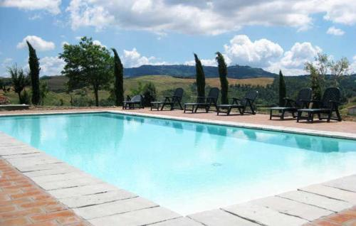 Cozzano Apartment Sleeps 2 Pool WiFi, Montaperti