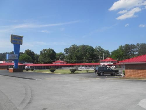 Picture of Cascades Motel - Chattanooga