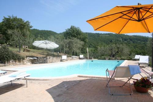 Umbertide Villa Sleeps 9 Pool WiFi