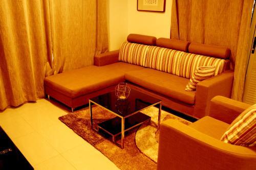 USP(Paris) Luxury Apartment Hotel, Suva