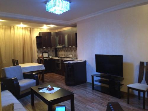 Koghbatsi - Amiryan crossroad 2b/d cozy apartment with balcony, Yerevan