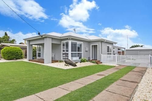 Fielding's Lair - 2 Bedroom House, Port Fairy