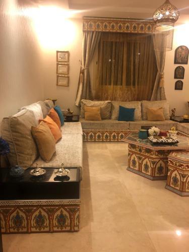شقة دور وملحق مع سطح, Riyadh