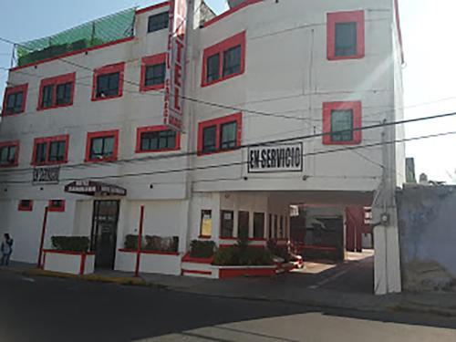 Hotel Camaleon