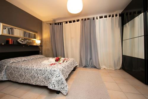 Bissone Apartment Sleeps 4 Pool, Bissone