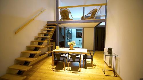 Penthouse loft with stunning view on 'Narikala', Тбилиси