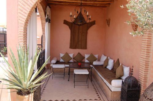 Hotel Les Trois Palmiers Marrakech Contact