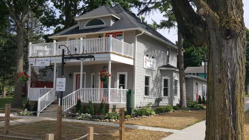 Devils Lake Inn