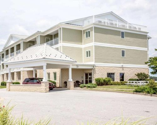 Island Inn & Suites, an Ascend Hotel Collection Member