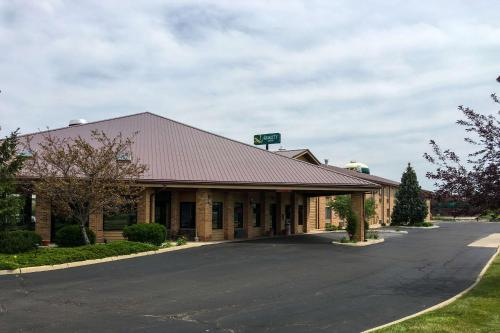 Quality Inn & Suites Dundee