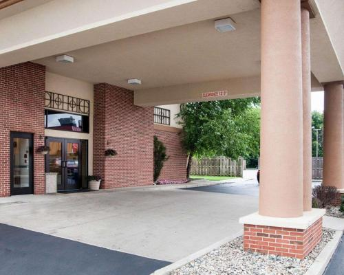 Quality Inn & Suites- Niles