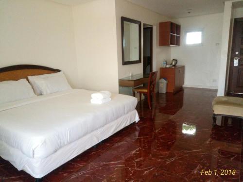 Centtro Residences, Los Baños