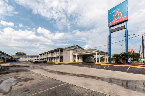 Studio 6 San Antonio TX – Ft Sam Houston
