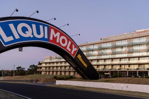 Rydges Mount Panorama Bathurst