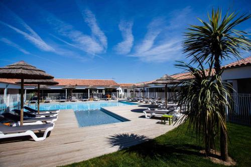 P'tit Dej-Hotel Ile-de-Re front view
