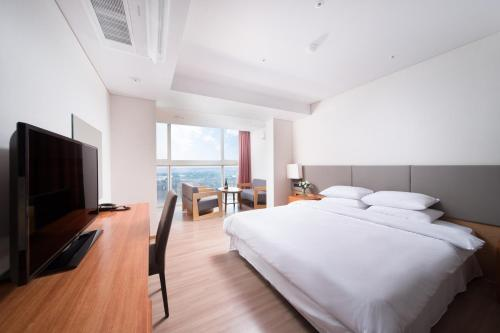 Family Suite Room with Sea View