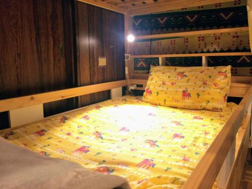 女生宿舍(碌架床) (Bunk Bed in Female Dormitory Room)