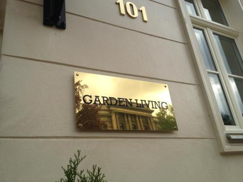 garden living berlin germany overview. Black Bedroom Furniture Sets. Home Design Ideas