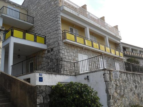 Apartments Radulj
