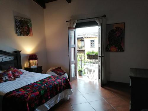 CASA DEL HADA High Quality Family Homestay, Antigua Guatemala