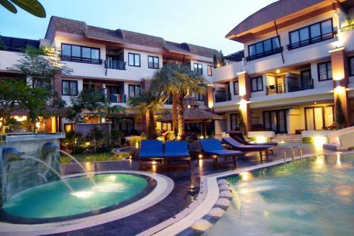 P.P. Palmtree Resort front view