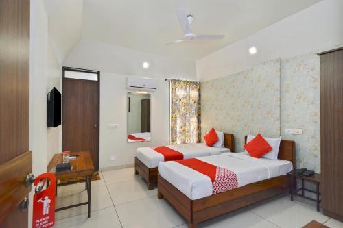 OYO 22827 Hotel Prafulla