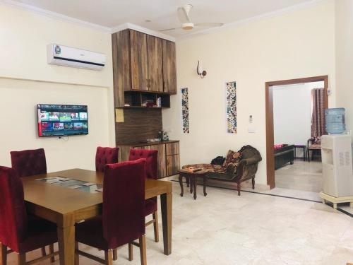 Furnish House Ground Portion for Rent in Bahria town Lahore, Lahore