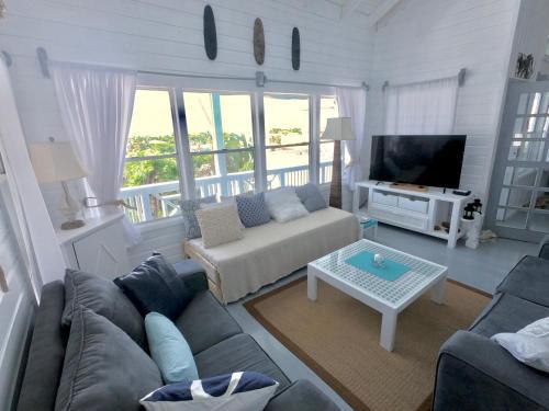 Encanto del Mar - Vista Azul, West Bay