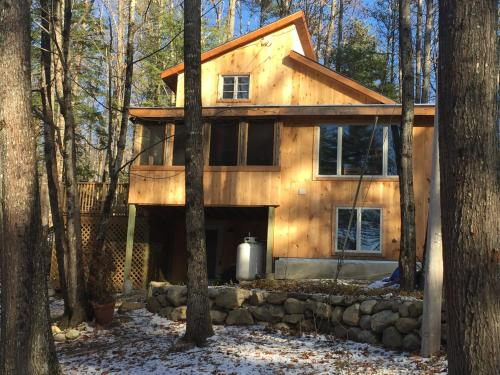 Morningstar - Newly renovated cabin near skiing and on a lake
