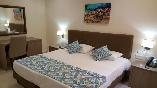 The Kennedy Hotel - Superior Rooms, Il-Gżira