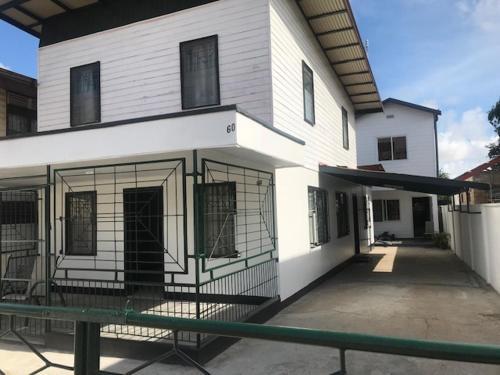 Keizer appartementen, Paramaribo