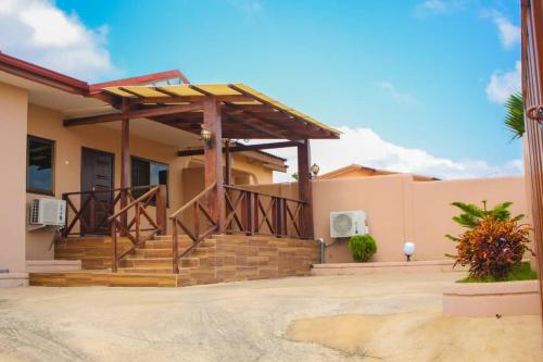 Multi Guest House, Kwabenyan