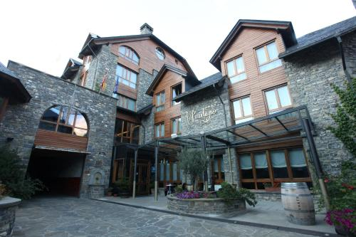 Habitación Doble Estándar con aparcamiento Hotel & Spa El Privilegio 1