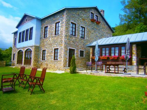 Photo of Argyro Guesthouse Hotel Bed and Breakfast Accommodation in Nimfaíon N/A
