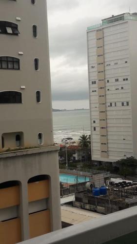 Guarujá Pitangueiras, até 8 pessoas, confortável, alguns passos da praia