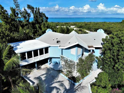 Blue Villa, Turtle Cove