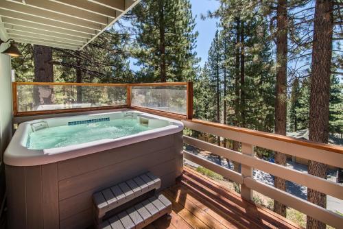 Lake-View Incline Home