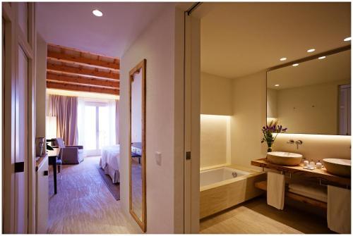 Habitación Doble Superior - 1 o 2 camas Torralbenc - Small Luxury Hotels of the World 3