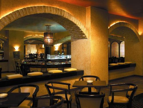Guide to Choosing Your Hotel in Jakarta | Jakarta100bars