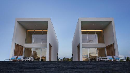 CARAIBAS modern air-conditioned vacation home for architectural design lovers, Belnem