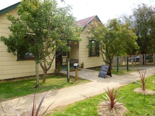 2 Dukes Daylesford Guest House | Australia Hotels Daylesford and Macedon Ranges