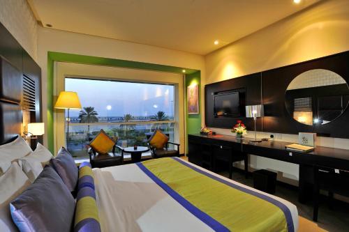 Hotel hues boutique hotel dubai dubai emirate united for Hues boutique hotel deira